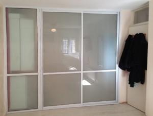 דלתות הזזה אלומיניום פרופיל לבן
