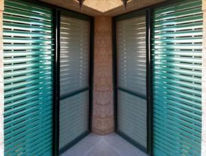 דלתות הזזה אלומיניום